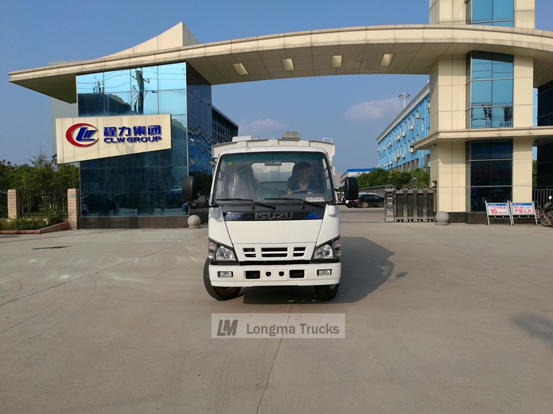 Isuzu 600p Road sweeper truck