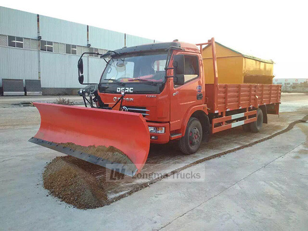 Dongfeng cargo truck with snow shovel and snowmelt agent spreader