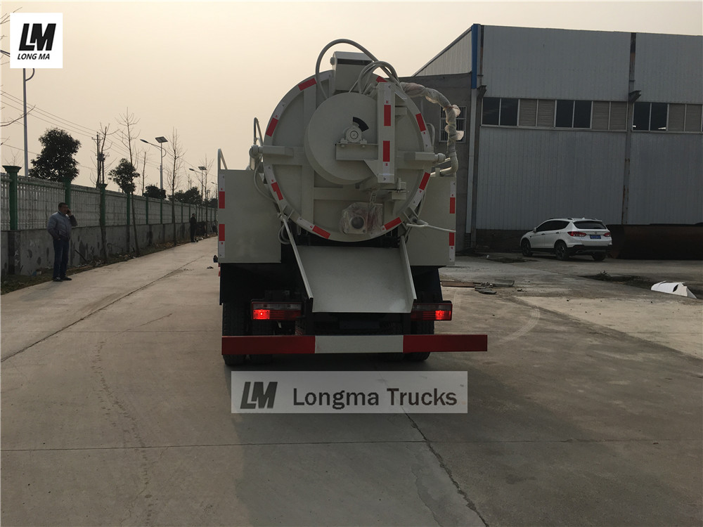 back view of Dongfeng 5000 liters sewage suction truck