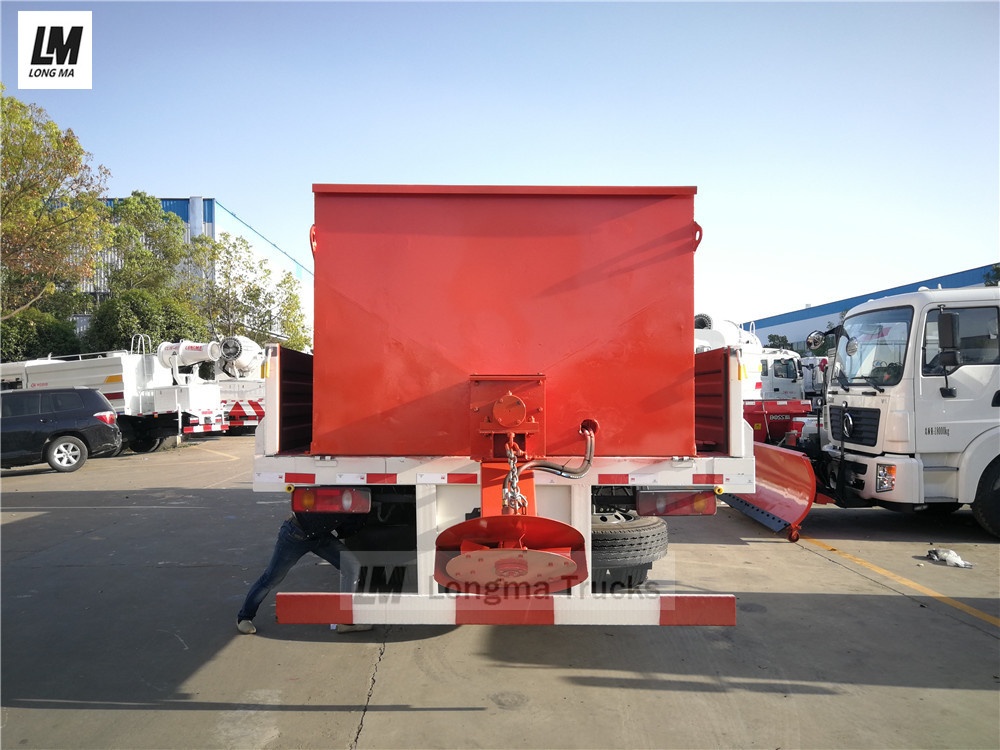 back view of dongfeng snow removal truck