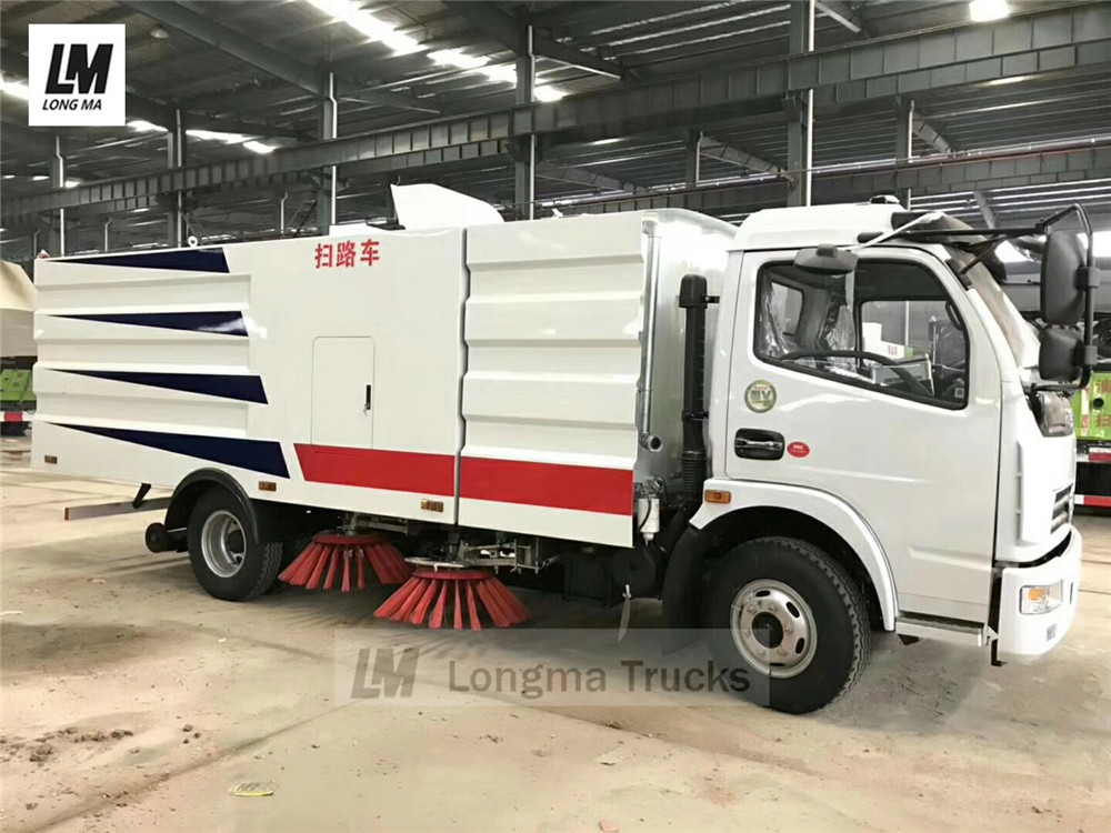 whole view of Dongfeng 5000 liters road sweeper truck