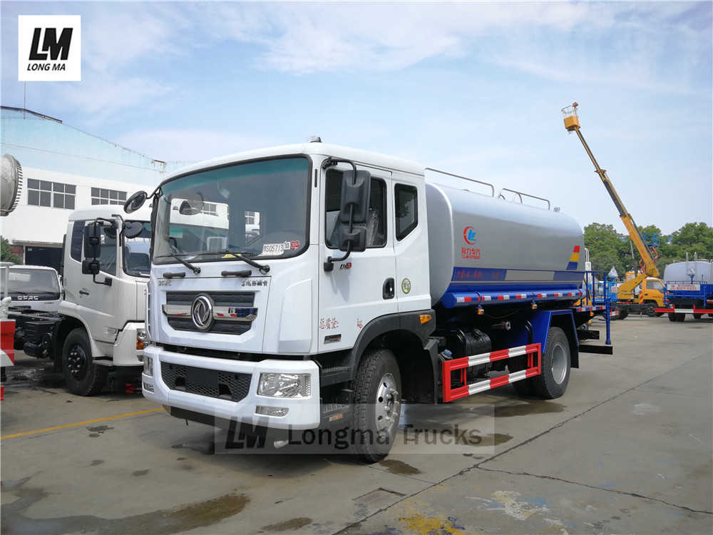 Dongfeng 12000 los litros camión pulverización de agua