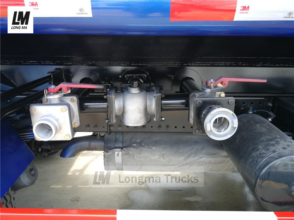 Rohreinlass- und -auslassventile von Dongfeng 12000 Liter Sprühwasser LKW