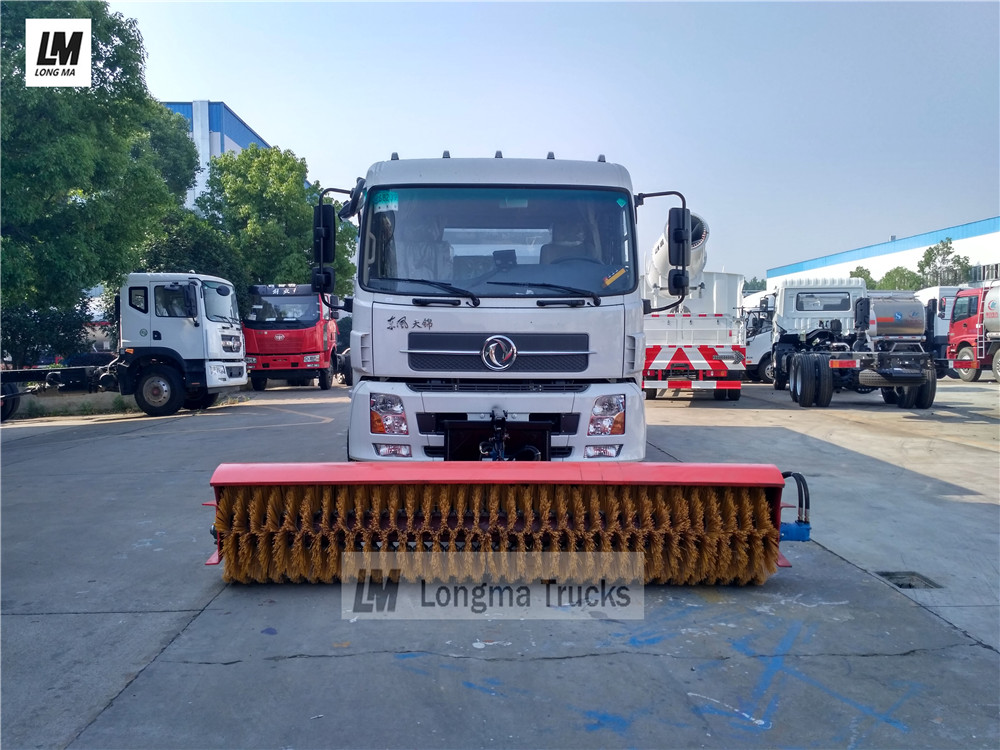 road sweeper truck with 3.3m snow broom
