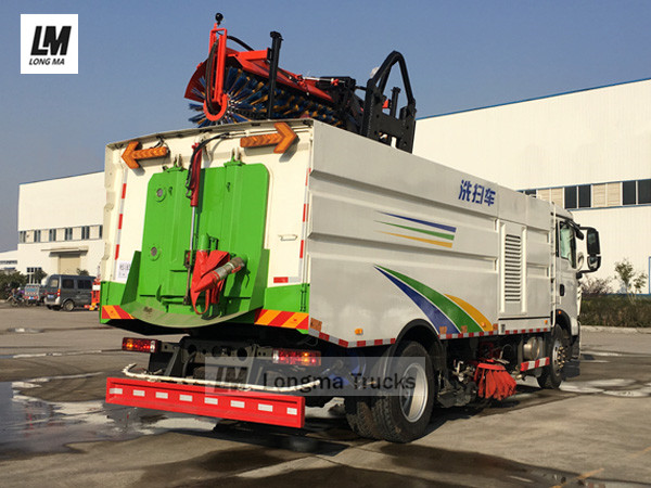 road sweeper truck with clw snow broom