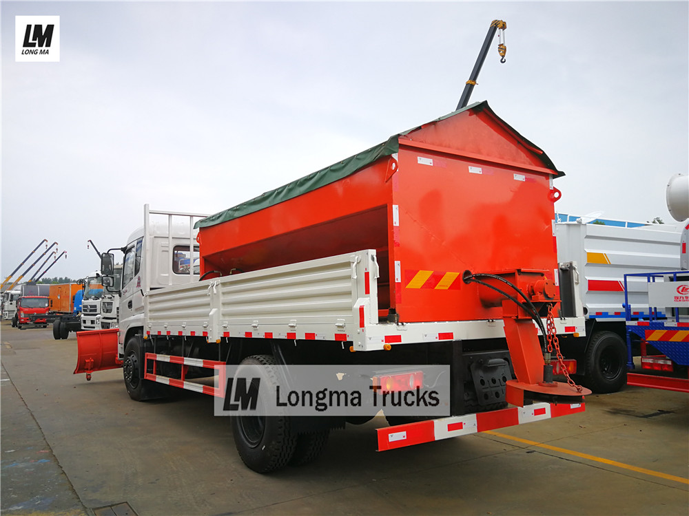 Dongfeng <a target='_blank' href='http://www.longmatruck.com/snow-removal-truck'>snow remove truck</a> with 10000 liters snow spreader