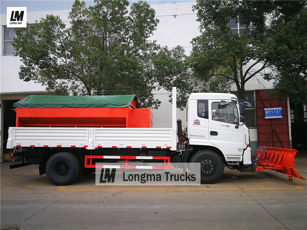 Dongfeng <a target='_blank' href='http://www.longmatruck.com/snow-removal-truck'>snow remove truck</a> with 3 meters snow brush