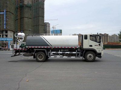 The price picture of a 12-ton Futian dust suppression fog cannon truck with 30-meter fog cannon unit
